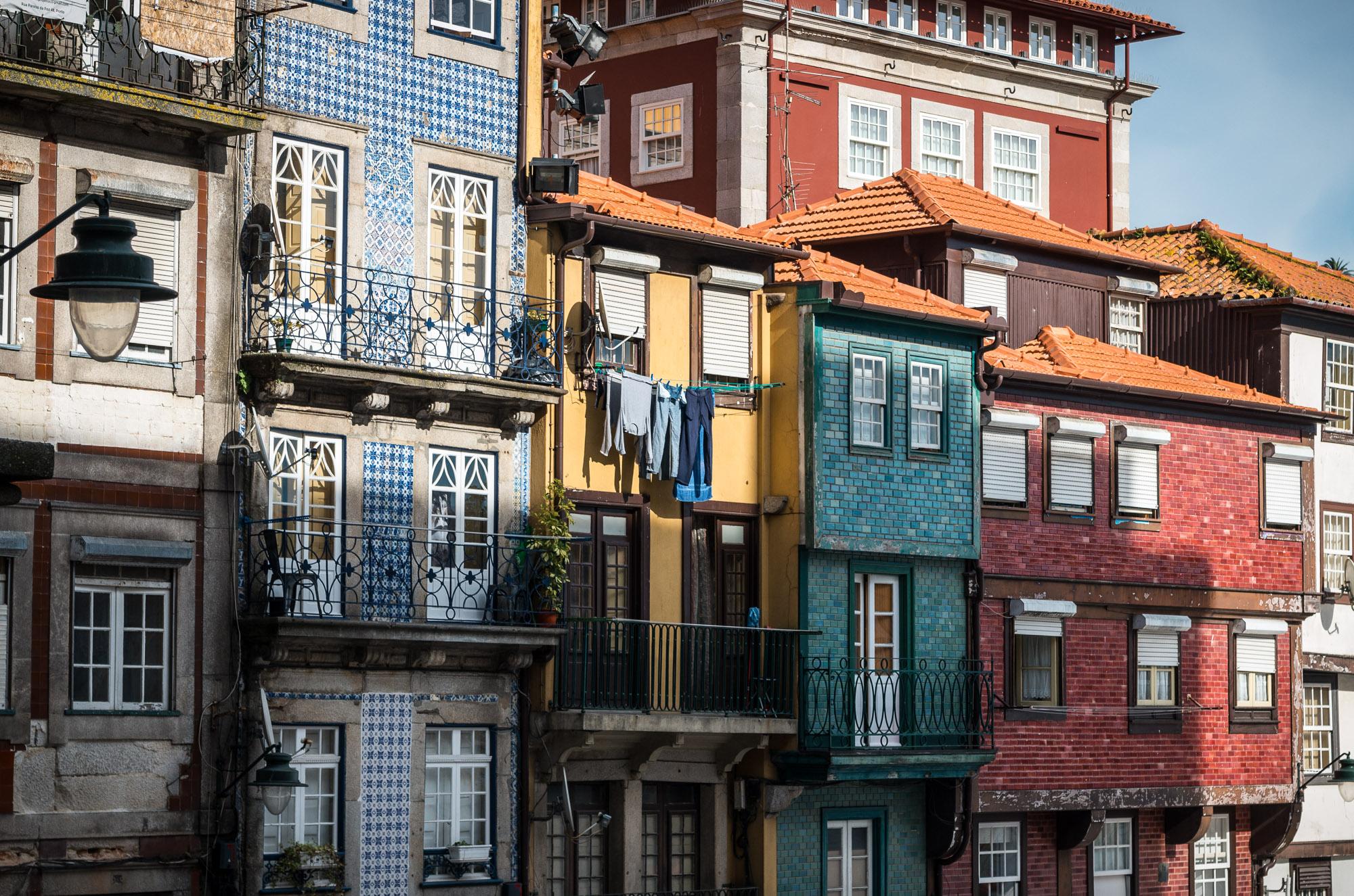 Gekachelte Häuser in Porto, Portugal
