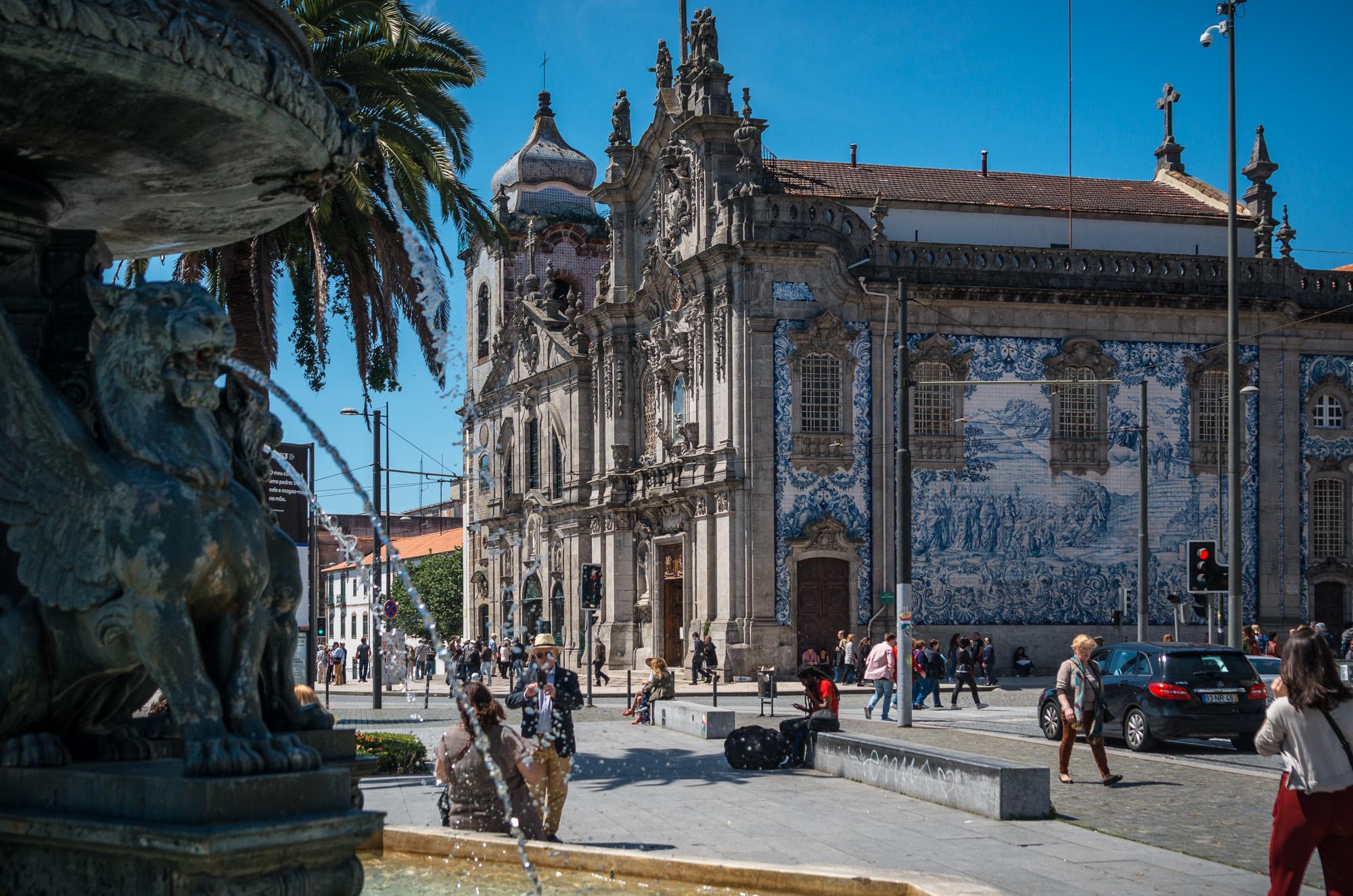 Gekachelte Kirche in Porto
